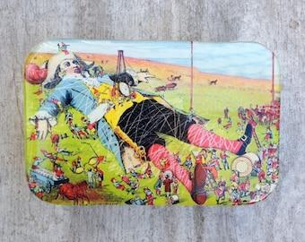Victorian trading card Gulliver tin, gift tin, large pill box