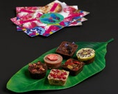 A bag with 6 raw vegan chocolates of your choice. Organic & no gluten added