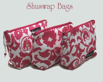 Set of 3 zippered bags with matching pocket mirrors. Lovely bridesmaid gifts!