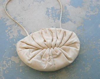 vintage 80s Leather Purse - 1980s Avant Garde Cream Clam Shell Leather Clutch