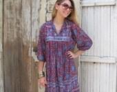 VTG Boho Paisley Tribal Ethnic Tunic Dress with Hem Border, Vintage Dress in Gauze Chiffon, Hippie Flower Child, One Size, OSFA