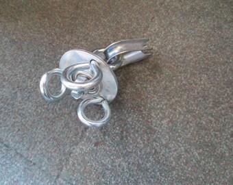 Swivel for Tire Swings 1/2 inch eye bolt to hang from and has 5/16 inch eye bolts to hang  swing too