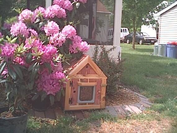 CUSTOM Outdoor Heated Cedar Cat House, bed, shelter, bed, condo