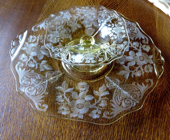 apple blossom yellow cheese and cracker set cambridge glass. Black Bedroom Furniture Sets. Home Design Ideas