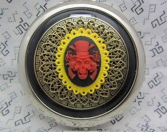 Compact Mirror Red Pirate Skull Comes With Protective Pouch
