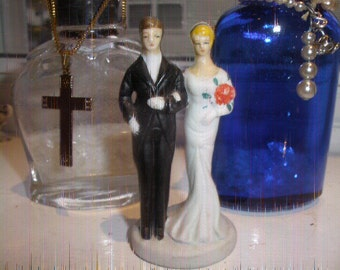 FREE SHIP, On Sale Antique Cake Topper, bride groom,EXCELLENT Condition, I Have Two, good color,tuxedo,blonde haired bride/groom brown