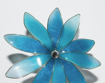 Resin Flower Kanzashi, Floral Hair Accessory, Bobby Pin, Japanese Geisha, Blue and Turquoise