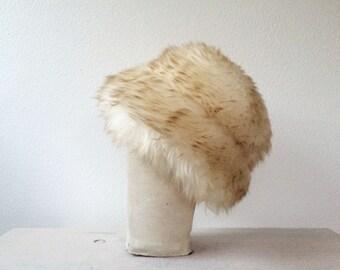 vintage wool hat / vintage fur hat / Shearling Cloche