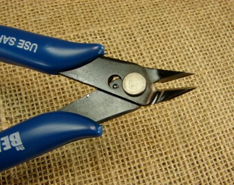 Flush Cutters - Perfect For Wire Wrapping Projects, Cutting Leather, Cotton Cord, or Thread - Knot Cutter