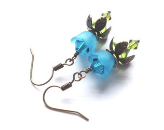 Lucite Flower Earrings, Crystal Swarvoski Earrings, Aqua, Blue, Flower Earring, Victorian, Antique Brass, Vintage Earrings