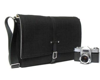 Large camera / laptop messenger bag - black