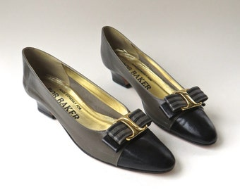 vintage Grey and Black Leather Pumps with Pinstriped Bows / Bob Baker