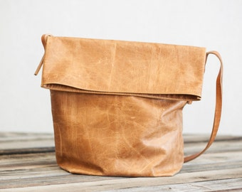 Bucket Bag Purse // Saddle Brown Leather Purse by Fullgive