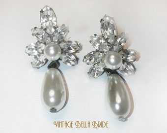 Vintage Wedding Earrings Silver Tone Clear Rhinestones Pearl Drops Dangle Pierced Earrings Bridal Prom
