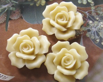 27mm - Ivory Rose Cabochon - 4 pcs (CA835-C)