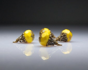 Vintage Style Bead Dangles Yellow Czech Glass Y0028