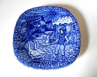 "Vintage CHRISTMAS 1970 Plate Blue and White, ""Nils with his Geese"", 1970, Julen Rörstrand Sweden"