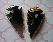 Shop Sale.. Arrowhead Pendant Charm, 24k Gold Electroplated Obsidian Arrow Head, ~ 30-50 mm, 1.5-2 inch, wholesale arrowhead bohemian ap10.5