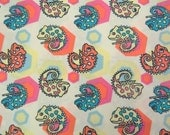 2512A -- Adorable Colored Anole Fabric in Cream White, Lovely Chameleon Fabric, Cute Reptile with HexagonFabric