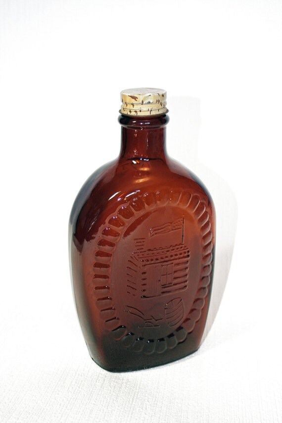 Log cabin syrup design brown bicentennial