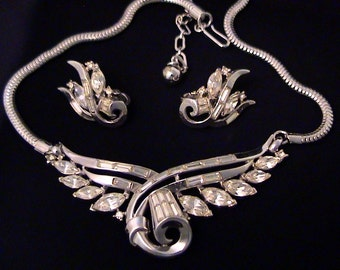 Vintage TRIFARI Phillipe Baguette Navette Rhinestone Necklace Earrings Demi