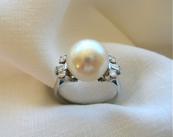 Circa 1970's 11.70mm Pearl Ring