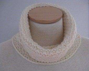 Hand Knit Neck Warmer in Cream/Winter White. Italian Extra Fine Merino Wool. Fall and Winter Accessories.