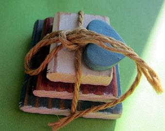 Three   Vintage Miniature Books..Dollhouse Arithmetic, Primer, Spelling #88