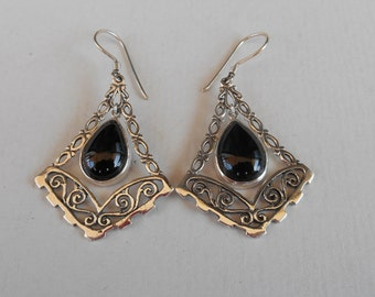 Balinese Black Onyx Sterling Silver  Earrings / Bali handmade jewelry / silver 925 / 2 inches long