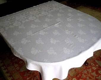 DAMASK TABLECLOTH Vintage White Sleek Damask Cabbage Rose Flowers Loop Border