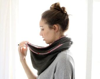 Cowl scarf, infinity scarf, hand made scarf, circle scarf, everlasting scarf, grey scarf, ooak ,OS16