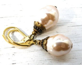 Glass Pearl earrings, pearl earrings, vintage pearl earrings, traditional earrings, retro pearls, gift for her