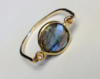 Labradorite Ring   Labradorite Bezel Ring   Labradorite Jewelry  Labradorite Gemstone  Gold Ring