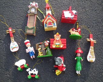 13 vintage wooden Christmas tree ornaments - 1980s - hand painted