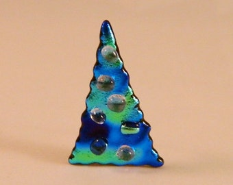 Whimsical sparkly Fused Glass Christmas tree pin, CT149