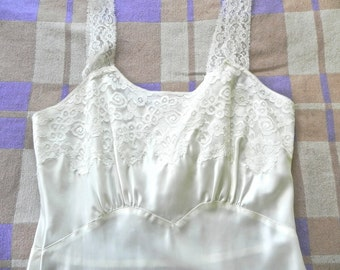 Vintage 1940s Negligee / 40s Lace and Satin off white Slip - on sale