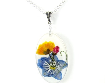 Grace of Flowers, Real Flowers on Resin, Pressed Flower Jewelry,(1575)