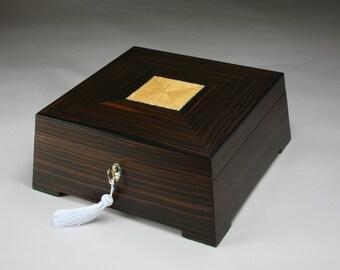 Stereos (Imovable) Ebony Jewelry Box