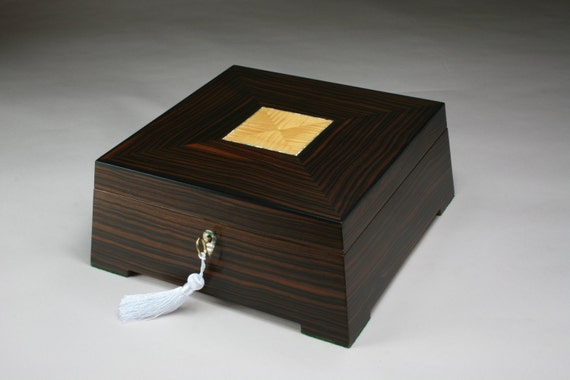 Stereos (Imovable) Ebony Jewelry Box