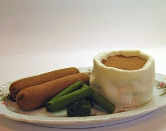Pretend Felt Play Food - Sausage, Mashed Potatoes and Green Beans Dinner, kid's play kitchen accessory
