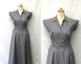 1950s Vintage Shirtwaist Glazed Cotton Dress / Silver Grey Pintucked Dress