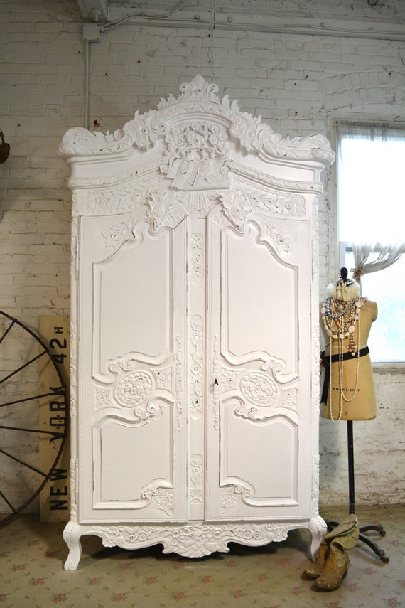 painted cottage chic shabby romantic french armoire am153. Black Bedroom Furniture Sets. Home Design Ideas