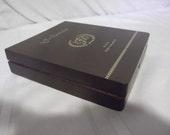 Nice La Flor Dominica solid wood cigar box with 5 cigar liner