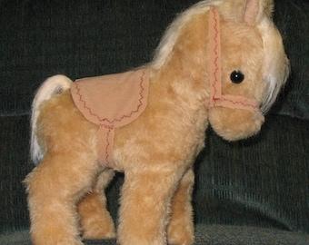 Croison Heirloom Pony - Palamino