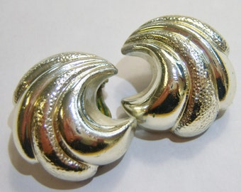 Vintage Star silver tone waves clip on earrings 14IN