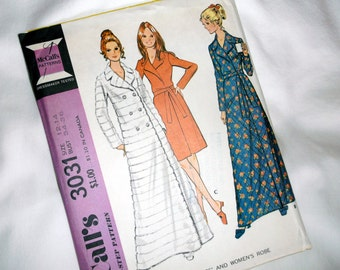 70s McCall's ROBE Pattern 3031 • size 12 -14 • Uncut / Factory Folded