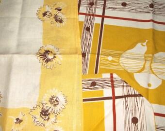 Vintage Table Linens • 3 pieces