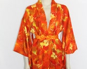 Vintage Robe  - Gorgeous Short Yukata - Kimono Style Robe - Deep Rich Orange and Yellow Perfect for Fall
