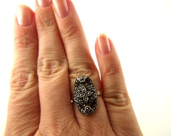 Marcasite Ring - Sterling Silver - Vintage
