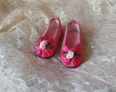 Valentines sparkley pink doll shoe 2 1/2 inch in length ,fits American girl or other 18 inch dolls
